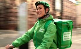 Такси и сервисы доставки еды начали взимать сервисные сборы