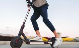 Подростки старше 14 лет смогут ездить на электросамокатах по проезжей части автодорог