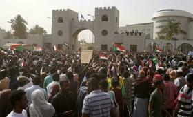 В Судане заявили об увозе премьера военными в неизвестном направлении