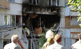 В Набережных Челнах мощный взрыв обрушил крышу и два этажа жилого дома