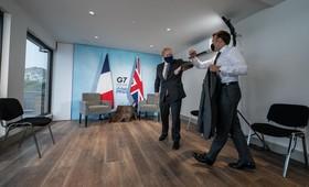 Задержание Францией британских кораблей объяснили местью ЕС и падением рейтинга Макрона